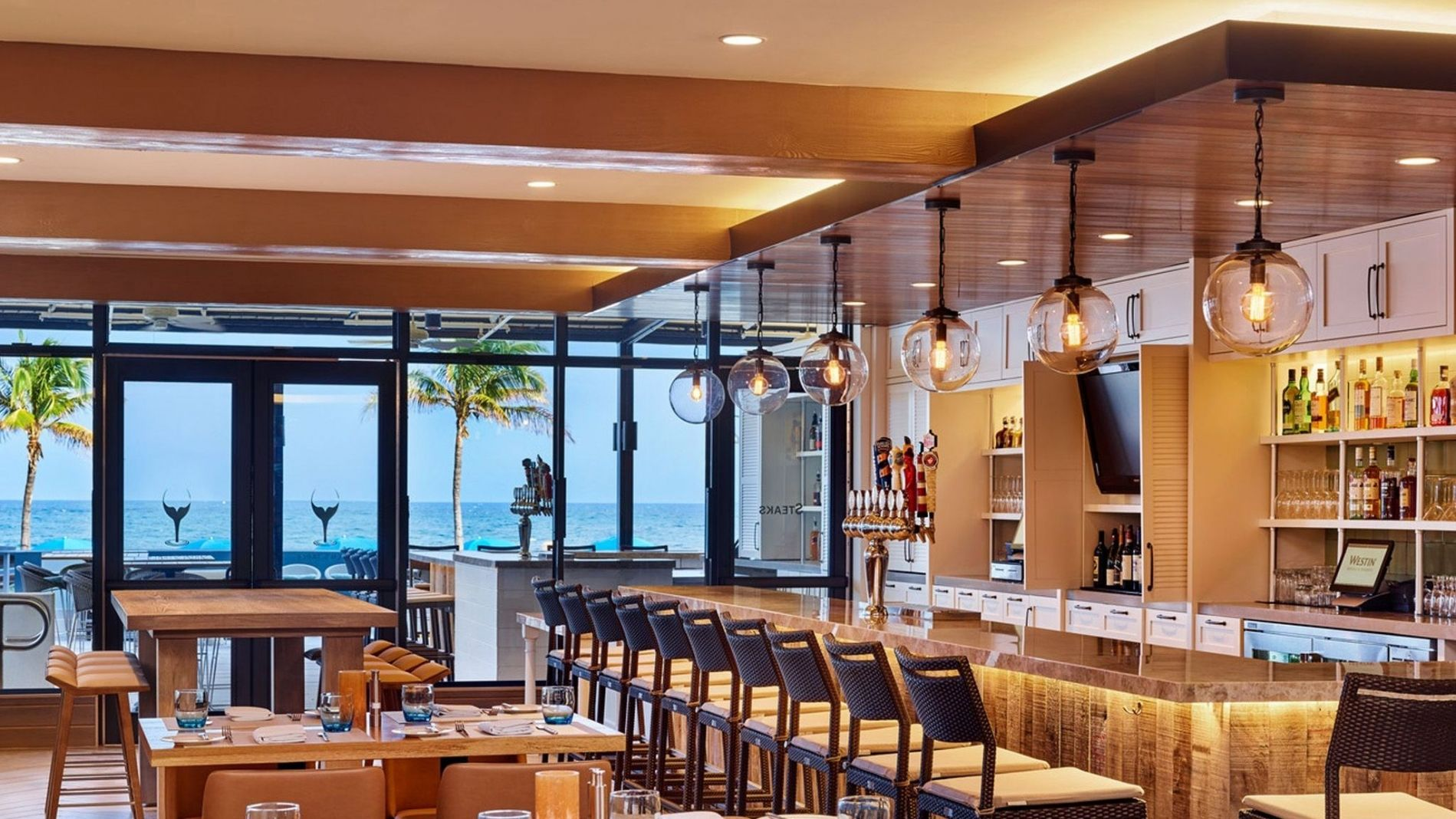 Fort lauderdale restaurants siren 39 s table for Table 52 restaurant gaborone